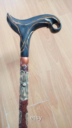 Canne à pied pour les femmes. Bâton de marche pour les femmes. Bâton de marche sculpté à la main pour les femmes. Canne à pied sculptée.