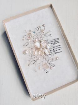 Casque de mariée, accessoires de cheveux de mariée, peigne de mariage, peigne nuptial, organique, argent, floral, perle, demoiselles d'honneur