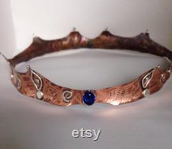 Couronne de cuivre texturé fabriquée à la main avec argent sterling et topaze et inscriptions bleues de Londres de 12mm plus expédition libre