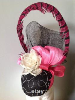Fascinateur de soie blanche noire rose