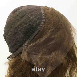 Femmes Dentelle Front Brésilien Cheveux humains Brun Court Ondulé Partie Centrale Perruque 8 pouces