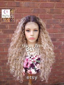 NEW ARRIVAL Perruque avant en dentelle blonde en cendres, Glorytress, dentelle transparente HD, longue perruque en dentelle bouclée, perruque blonde ombre, en vente Paradise
