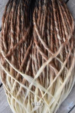 Noir, rouge blond Ombre DE Dread Extensions 50pc Ensemble complet 27 pouces 69CM Prêt à expédier Dreads synthétiques