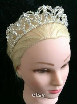 Unique mariée Skulls Tiara argent, gothique, Game of Thrones inspiré, perles d ivoire, Royaume-Uni fait à la main avec du cristal Swarovski, et boîte souvenir cadeau